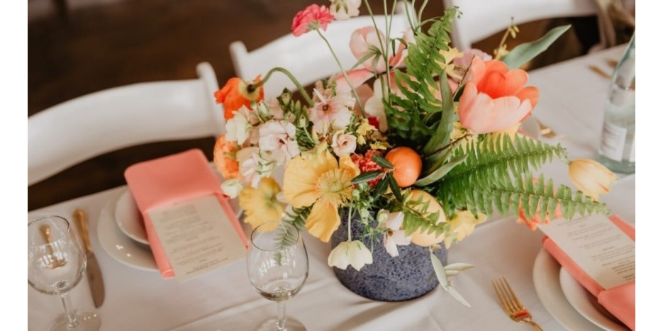 Kaip papuošti stalą Joninėms? Serviruokite jį elegantiškai!